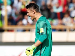 国足客场0:1惜败伊朗